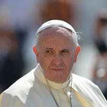 Popiežius pripažino, kad kunigai seksualiai išnaudojo vienuoles