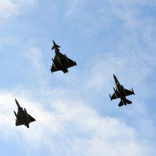 Britų naikintuvai kilo iš Estijos perimti Rusijos karinių lėktuvų
