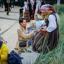 Palanga pražydo ir suskambo tarptautiniu folkloro festivaliu