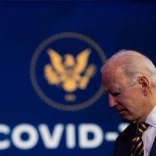J. Bidenas sukritikavo dabartinės administracijos amerikiečių skiepijimo planą