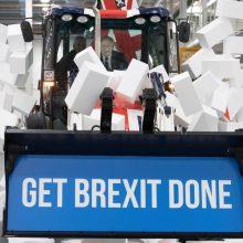 ES lyderiai pasirašė prekybos susitarimą su Britanija