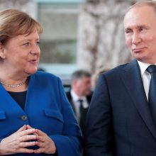 V. Putinas parašė naujametinį laišką A. Merkel