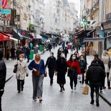 Paryžiuje iš naujo įvedama komendanto valanda