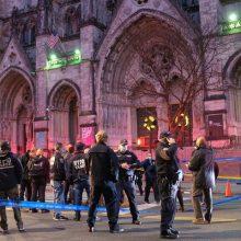 Niujorke policija nukovė per kalėdinį koncertą šaudyti pradėjusį vyrą