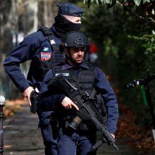 """Išpuolis šalia buvusios """"Charlie Hebdo"""" redakcijos laikomas teroro aktu"""