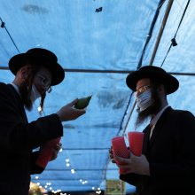 Nepaisant karantino, COVID-19 infekcijų skaičiai Izraelyje muša rekordus