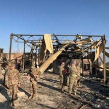 Irako bazė, kurioje yra JAV vadovaujamos koalicijos karių, apšaudyta raketomis