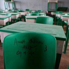 Nigerijoje deramasi dėl pagrobtų mergaičių paleidimo