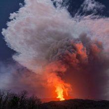 Etnos ugnikalnis vėl išsviedė lavos fontaną