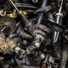 Susidėvėję amortizatoriai – ne tik pavojingos atliekos