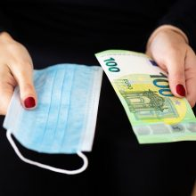 Pandemija ryja pinigus: valstybės biudžete trūksta trečdalio milijardo