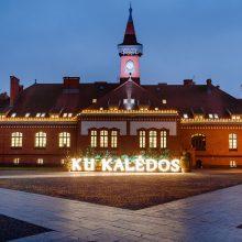 Klaipėdos universiteto miestelyje jau Kalėdos: įžiebtos šventinės šviesos