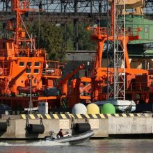 """Laivas """"Šakiai"""" prisijungė prie jūroje išsiliejusių teršalų likvidavimo operacijos"""