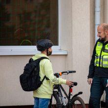 Reidas Slengiuose: tikrino, ar dviratininkai ir paspirtukininkai laikosi taisyklių