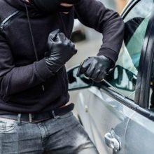 Klaipėdoje vagys apšvarino du automobilius: nuostolis – daugiau kaip 4,5 tūkst. eurų