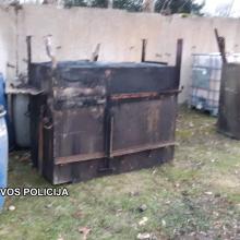 Sodyboje netoli Rietavo rasta įranga naminei degtinei gaminti, 720 litrų raugo ir degtinės