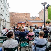 """Festivalyje """"Gertrūdos vasara"""" būrį gerbėjų pritraukė scenos legenda O. Vyšniauskas"""