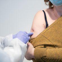 """Centriniame pašte pradėti skiepijimai: kauniečiams skirta naujoji """"Moderna"""" vakcina"""