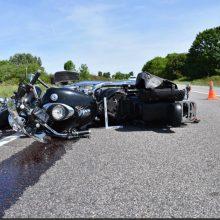 Raseinių rajone – avarija: nukentėjo pagyvenęs motociklo vairuotojas ir keleivė