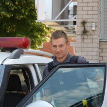 Pareigūnas, atsidūręs tinkamu laiku ir tinkamoje vietoje, išgelbėjo dviratininko gyvybę