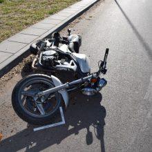 Vilniaus rajone – motociklo ir sunkvežimio susidūrimas: yra nukentėjusių
