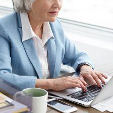 Pagyvenusiems žmonėms dar sunku rasti darbą: yra įmonių, kur 30-metis jau laikomas vyresniu