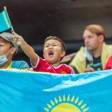 Svečiai: 28-erių brazilas Taynanas <span style=color:red;>(Nr. 3)</span> – Kazachstano ekipos smogiamoji jėga, o tarp sirgalių yra ir mažamečių.