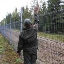 Pasieniečiai apgręžė pusšimtį neteisėtų migrantų: po vidurnakčio Baltarusijoje – signalinė raketa