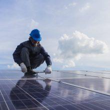 Atidaroma didžiausia Lietuvoje nutolusi saulės elektrinė
