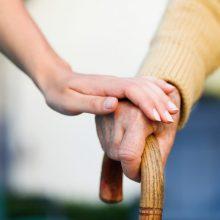 Sergantiems Parkinsono liga gali padėti į insulino pompą panašus prietaisas