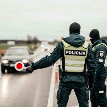 Policija įspėja: savaitgalį ribos patekimą į kurortus, parkus, pažintinius takus