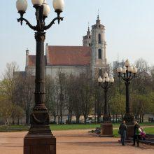Brangios restauracijos laukia senieji Lukiškių aikštės šviestuvai