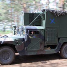 Vilniaus rajone kariai pateko į avariją: ant kelio išbėgo 300 litrų tepalų