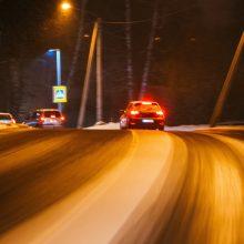 Naktį eismo sąlygas sunkins snygis, lijundra ir plikledis