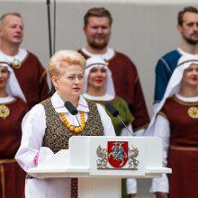 D. Grybauskaitė Lietuvos žmonėms palinkėjo orumo ir pasitikėjimo