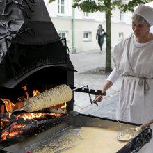 Vilniuje prasideda Tautų mugė: pristato nacionalinius valgius, papročius, buitį