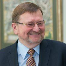 """""""Socialdarbiečiai"""" į Konstitucinio Teismo teisėjus siūlo J. Bernatonį"""