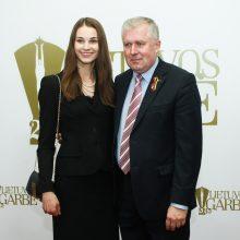 A. Anušauskas su 27 metais jaunesne žmona laukia gandrų