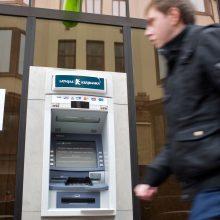 """Latvijos teismas nurodė iš buvusios """"Krajbanka"""" vadovybės išieškoti 15 mln. eurų"""
