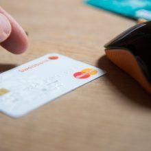 """""""Swedbank"""" mažina kodų kortele tvirtinamų pavedimų limitą iki 30 eurų"""
