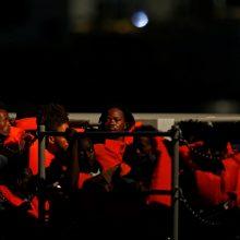 Prie Maltos krantų iš valčių išgelbėti šimtai migrantų