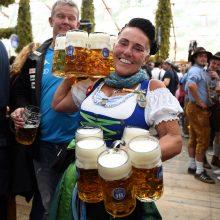 Garsiajame vokiečių festivalyje alaus bokalas kainuoja beveik 12 eurų