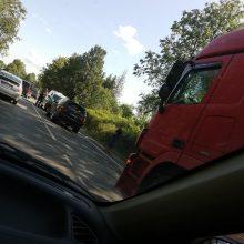 Vilniuje susidūrė du automobiliai, keleivė išvežta į ligoninę