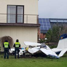 Kauno rajone nukrito lėktuvas: žuvo du vyrai (papildyta)