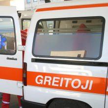 Į ligoninę atvežtas peršautas vyras