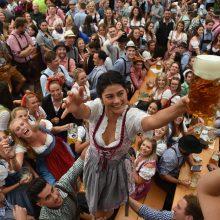 "Miunchene liejasi alus: prasidėjo kasmetinis festivalis ""Oktoberfest"""