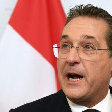 Austrijos vicekancleris atsistatydino dėl su Rusija susijusio skandalo