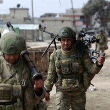 Sirijoje per režimo pajėgų smūgius žuvo mažiausiai 33 Turkijos kariai