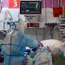 Su COVID-19 kovoję medikai už gegužę vėl gaus didesnes algas