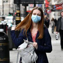 Plintant virusui įspėja britus: karantinas gali užsitęsti iki birželio